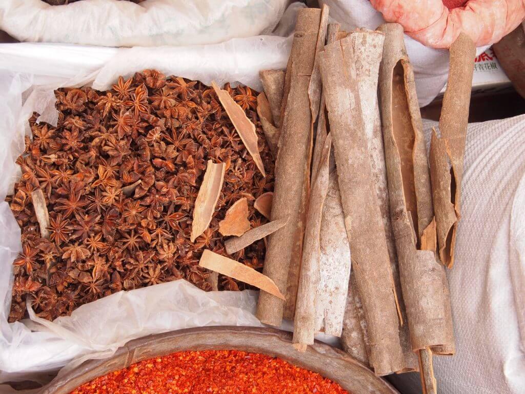 מינונים של צמחי מרפא סיניים מינון לקיחה יומי מחממי פנים מקלות קינמון Rou Gui